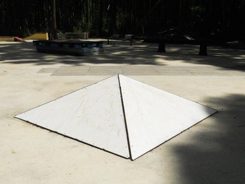 小ピラミット